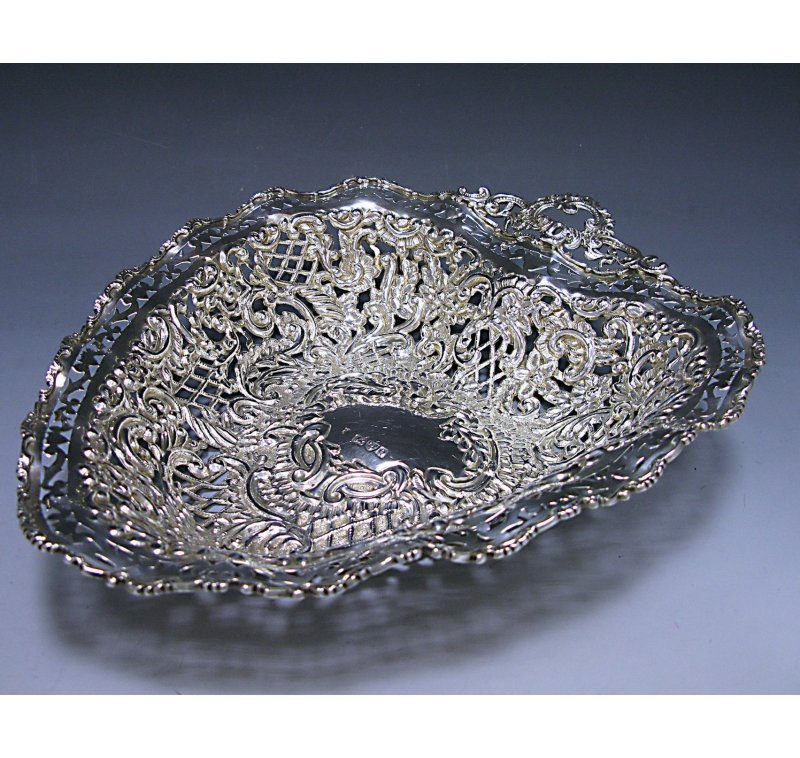 Antique Silver Victorian Heart-Shaped Dish made in 1899